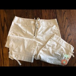 Gap tan capris with embroidery